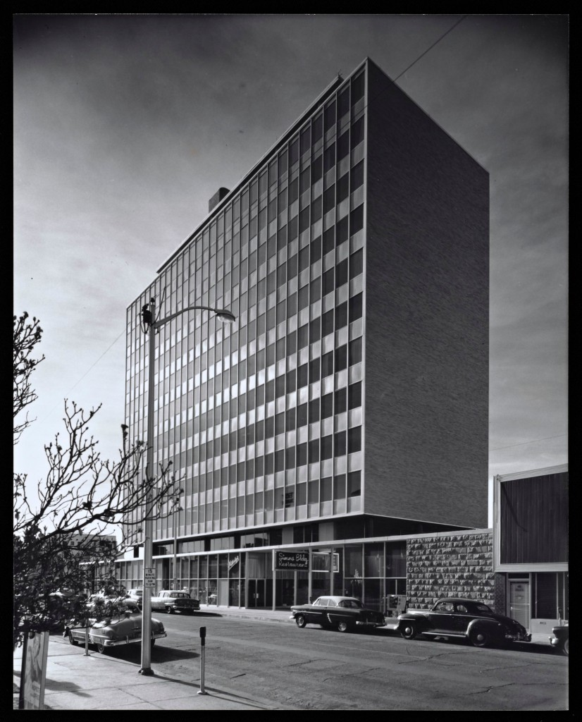 Figure 2. View toward southeast, Simms Building, Albuquerque, NM, 1955. Photograph by Julius Shulman. © J. Paul Getty Trust. Getty Research Institute, Los Angeles (2004.R.10).